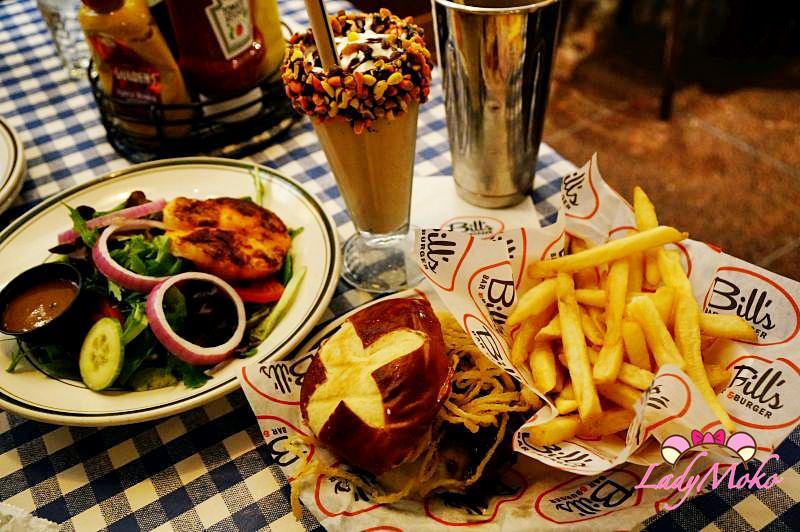 紐約美食餐廳推薦》Bill's Bar&Burger♥超好吃漢堡和繽紛奶昔/聖誕節有營業
