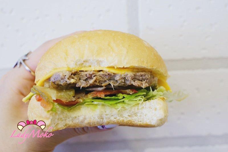 連鎖早餐》早安美芝城,4款會噴汁的牛肉漢堡強勢新登場!早餐推薦
