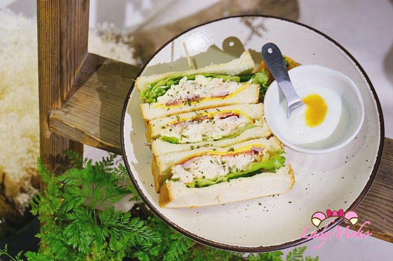 松江南京輕食》儲房咖啡館,花藝與輕食三明治的溫馨午後