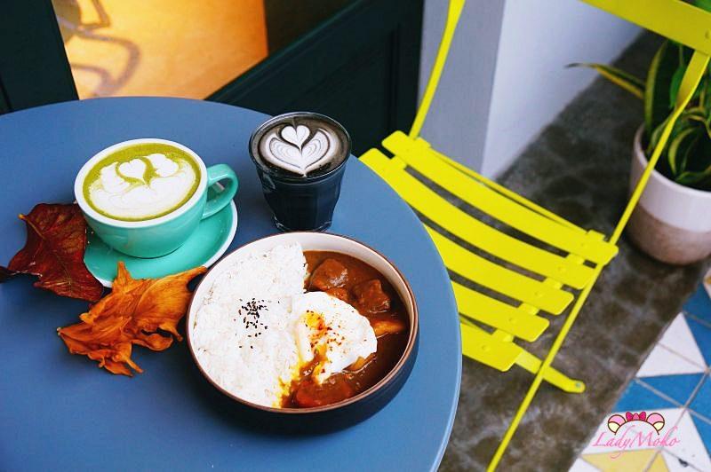 忠孝敦化東區咖啡廳》Untitled Workshop,最美黑拿鐵與半熟蛋辣咖哩飯