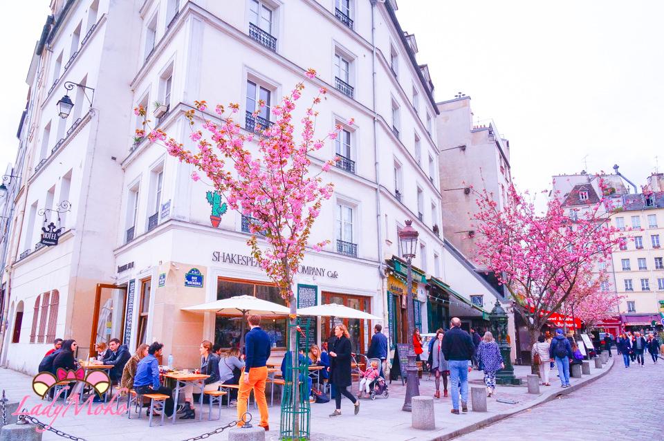 巴黎賞櫻景點》莎士比亞書店/咖啡館,那嬌羞櫻花飄散的英倫書香氣