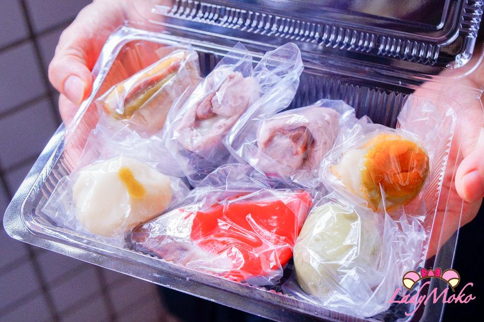 南京復興美食》遼寧夜市黑麻糬,現點現做銅板傳統美食小吃