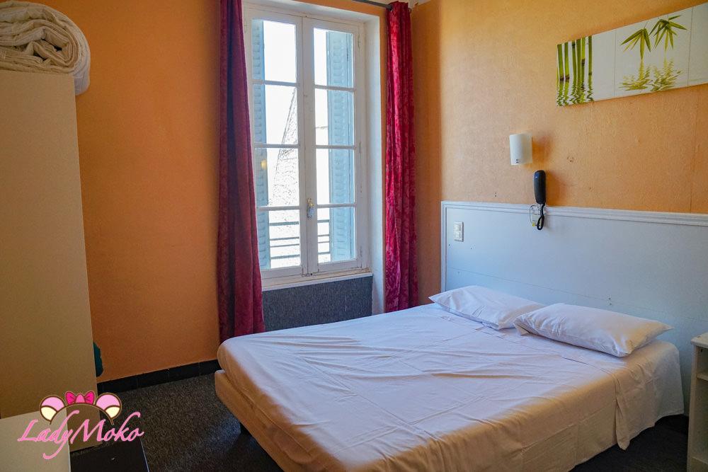 南法Nîmes尼姆平價飯店|煎熬悶熱沒冷氣夏季千萬別住的Citotel Hotel Cesar
