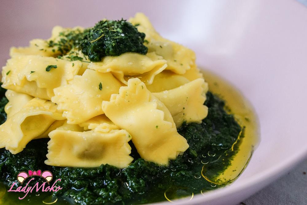 健康快速懶人食譜|菠菜泥義大利松露餃佐初榨橄欖油Ravioli and Spinach with Olive oil