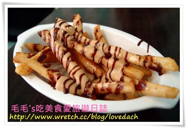 台北大安 》食記:兔子兔子美式餐廳(東區二店)。二訪 ~ 抹茶火雞火腿總匯三明治 | 奶油煙燻鮭魚蛋捲