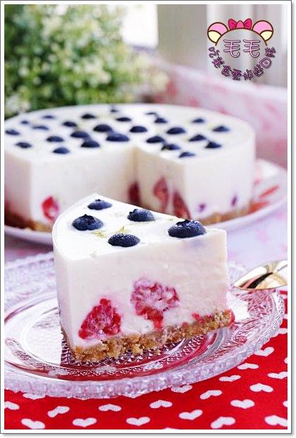 免烤食譜》雙莓優格檸檬乳酪蛋糕。超美超好吃♥紅寶石覆盆莓與藍莓的完美構圖,馬修優格超加分♥無蛋蛋糕.免烤蛋糕
