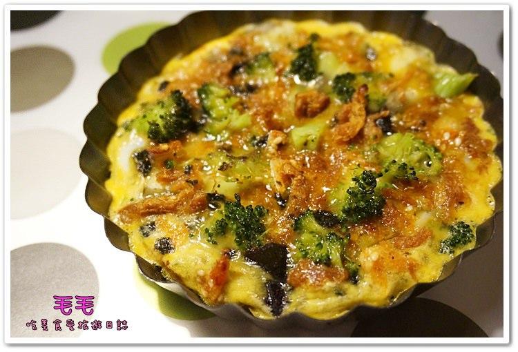 食譜 》無油創意烘蛋。清冰箱料理,櫻花蝦、紫地瓜、筊白筍創造美味簡單異國料理