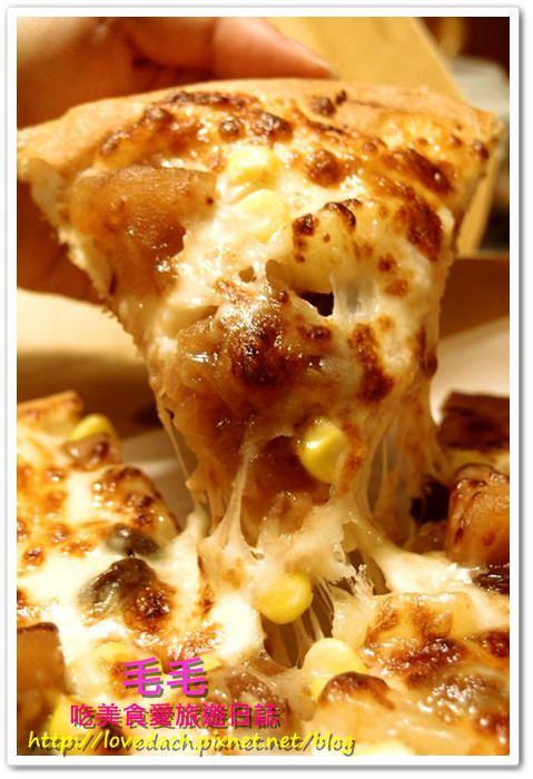 連鎖 》食記:拿坡里。甜口味的蘋果肉桂披薩不稀奇,加了牽絲cheese才經典!!!(邀約)