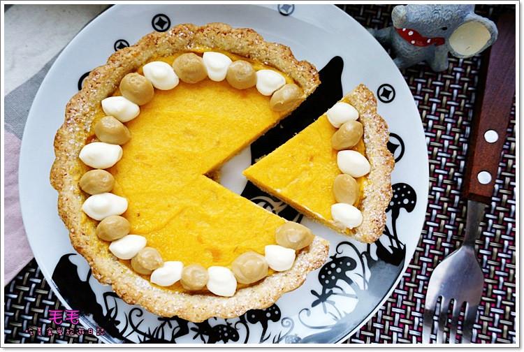食譜 》黑糖奶油乳酪地瓜派。杏仁全麥塔皮更健康,雙色奶油乳酪擠花好美也好好吃