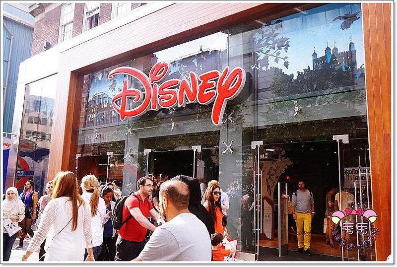 英國倫敦 》Disney Store London。倫敦也有迪士尼!暫時去不了樂園,那就先去商店瘋狂吧XD(Covent Garden|Oxford Street|Westfield Stratford)