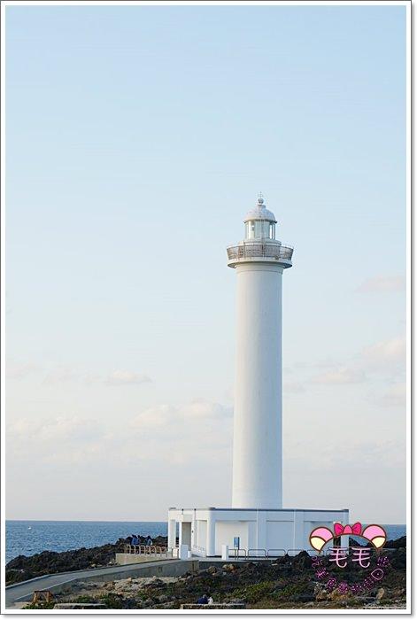 沖繩推薦景點 》殘波岬燈塔/殘波大獅子。浪漫看夕陽吹海風(自駕|自由行|行程規劃|冬季)