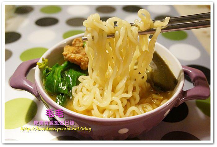 宅配團購 》食記:韓國農心辛拉麵。不同於之前的炸醬麵,走清爽路線的爽口烏龍麵,深夜咕嚕咕嚕的好夥伴(邀約)