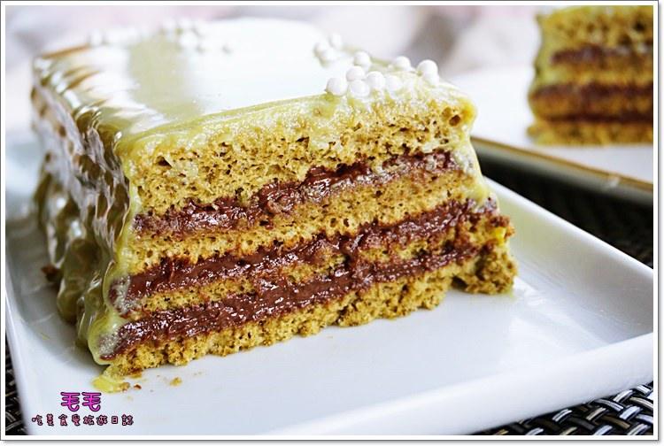 食譜 》抹茶歐培拉opera蛋糕。生巧克力、抹茶天使蛋糕與抹茶生巧克力鏡面的完美組合♥抹茶控必做!!!