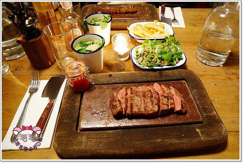 英國倫敦美食推薦 》Flat Iron Steak。超高CP值牛排,便宜又超~好吃♥(牛排熟度英文|點餐教學|piccadilly circus)