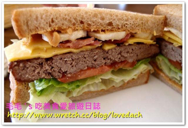 台北中山 》三明治公爵montagu。高CP值好店,三明治和奶昔必點,布朗尼和提拉米蘇也很讚