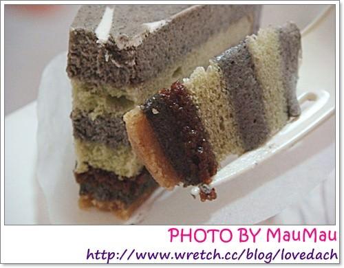 美食。星巴克 》芝麻抹茶蛋糕